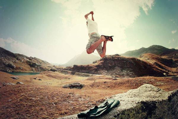 photo-jump-nature-man